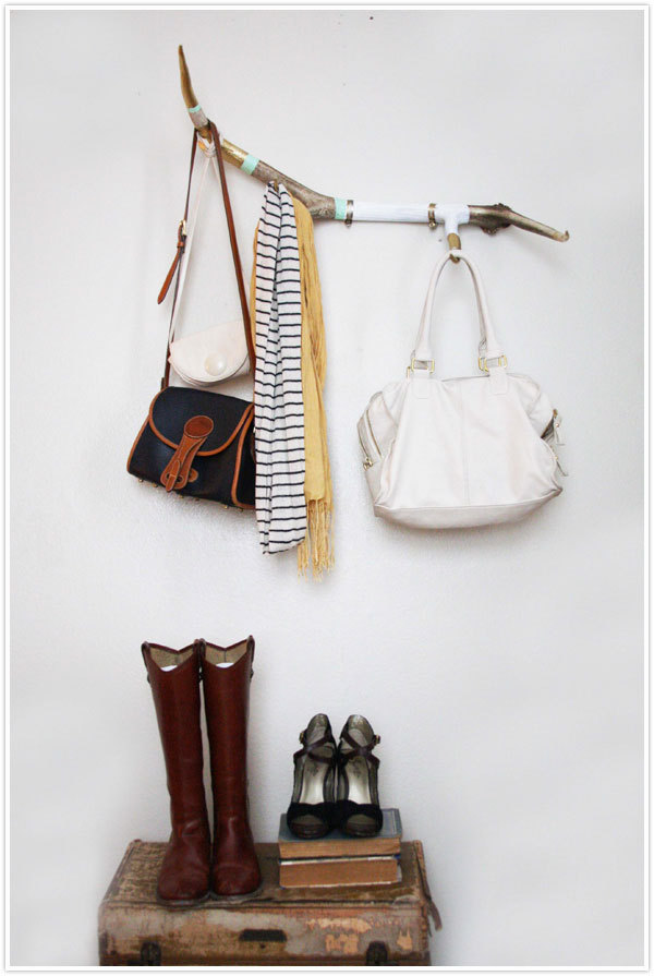 Antler Coat Rack | Camille Styles Unfortunately I can't get shed antlers here in Australia, but if you're lucky enough to have access to them then I am jealous of you and here is a great tutorial for you! Haha! I love the combination of gold and pastels. If you don't want to use it for a coat rack then it would be gorgeous for your jewelry or even just for decoration.