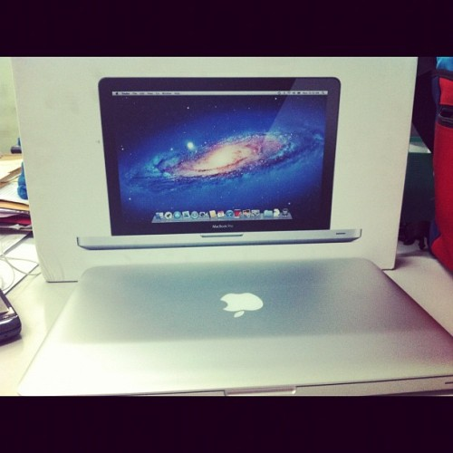 Oh hello there macbook pro! :) #macbookpro #mac #officestuff #workgadgets #finally #happy (Taken with instagram)