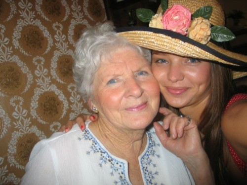 vicsecretmodels:  aw miranda and her nan