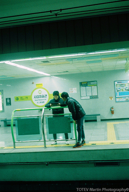 Cyber world on Flickr.Via Flickr: Canon Canonet QL17 with Canon SE 45mm/1.7 Fujifilm Fujicolor C200 Film Our search for good raw fish place to eat(횟집) around Gwanganli.