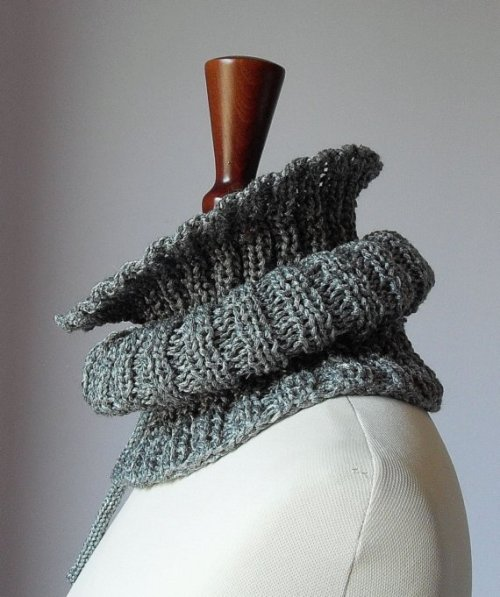 Silvia66 (via Knitting Cowl Neckwarmer with Ribbons SILVER Grey Gray by Silvia66)