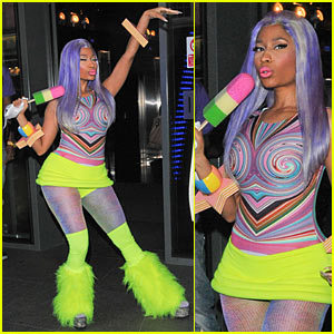 Nicki Minaj: Neon Ankle Warmers! Just Jared, justjared.com Nicki Minaj leaves the W hotel wear­ing anoth­er crazy neon out­fit – includ­ing furry ankle warm­ers! – in Lon­don on Fri­day (April 20).PHO­TOS: Check out the lat­est pics of Nicki MinajNicki recent­ly delet­ed …