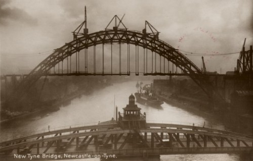 grandarcadia:  Construction of the Tyne Bridge, 1928