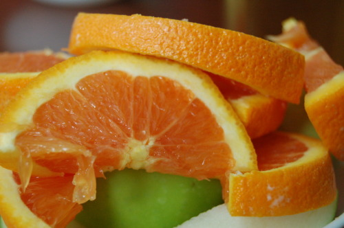 healthy-p4nda:  BREAKFAST! Sliced orange, green apple, a small wedge of brie. YUM.