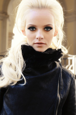 k-a-r-l-i-e:  mode-elite:  Ginta  Queued - in Spain (Feel free to delete) xx