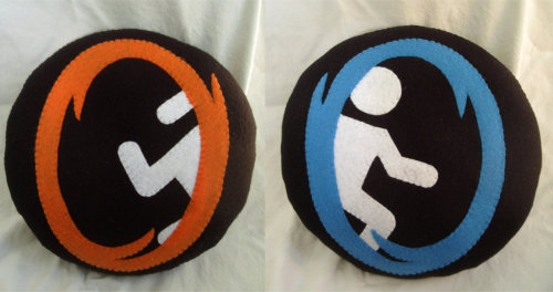 Double Sided Plush Portal Pillow Ahhhhh, I love theeesseeee :3