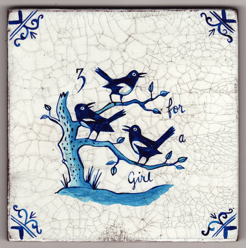 Delftware tile - Three for a Girl (Magpies) by Paul Bommer on Flickr.