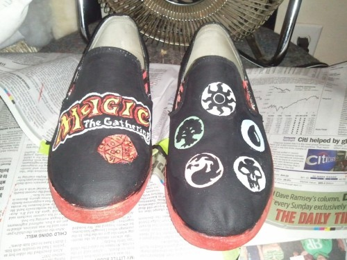 ourshallowseas:  Painted these yesterday,   That's how I roll … luv 'em