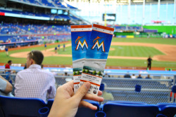 baseball-heaven:  Marlins vs Cubs 4/18 (greenisosdadu)
