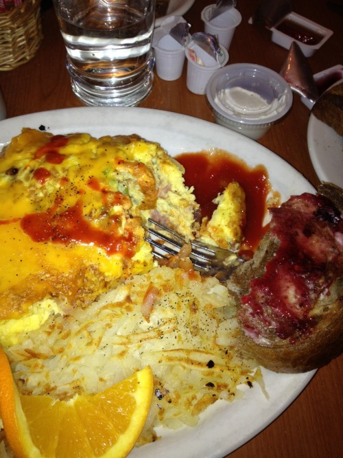 Minerva Damage: Denver omlette, Greek rye toast, hash browns, coffee.  HYHB!