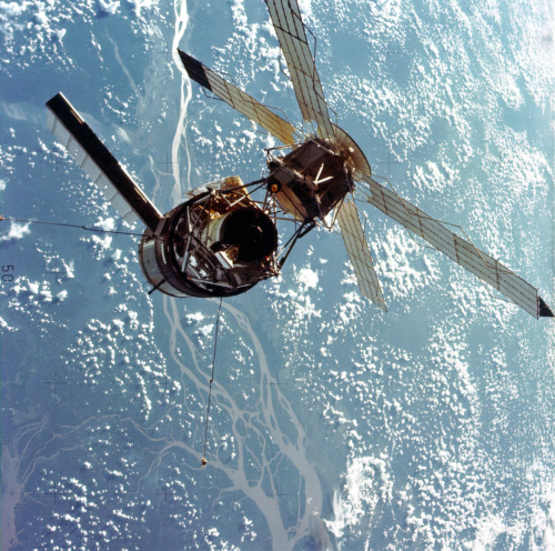 fuckyeahspaceexploration:  Skylab 3 kind of reminds me of two mating insects.