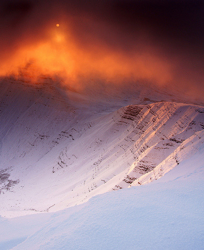 crucium:  penyfan sunrise (by neath stan the man)