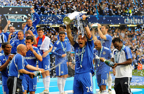 John Terry lifts the trophy for Chelsea as they are Crowned Champions of England