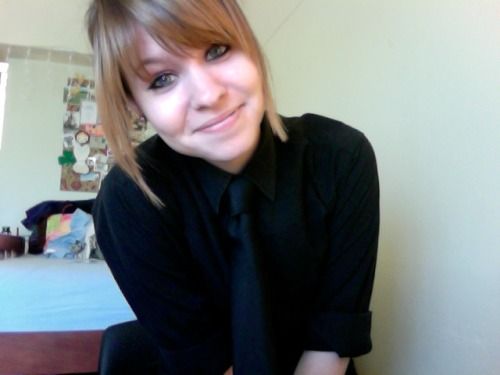 Oh heyyy, going to work. I love wearing all black (shirt, pants, tie, shoes, and jacket) because it makes me feel like a spy. Also, I may or may not have been listening to Selena Gomez & The Scene while getting ready. And I don't care.