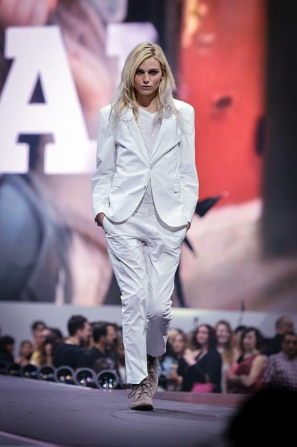 Jamás me decepciona… WOW !  hausofandrejpejic:  Andrej Pejic - Energy Fashion Night 2012 Zurich (Ph: Adrian Bretscher) blick.ch