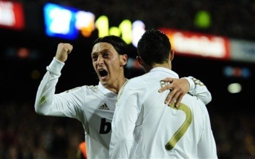Mesut Ozil and Cristiano Ronaldo linked up again for the final goal in Real Madrid's 2-1 win over Barcelona today. They go 7 points clear of their rivals with only four games left.