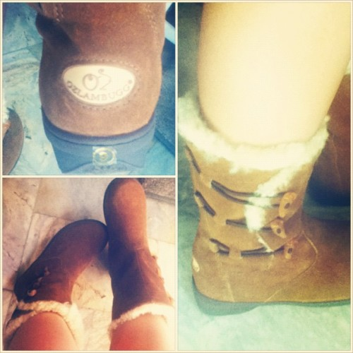 Yeyyy!!! New Uggs! Straight from Down Under. I need to go some place cold…S.Korea? New Zealand? Baguio? Lolz! (Taken with instagram)