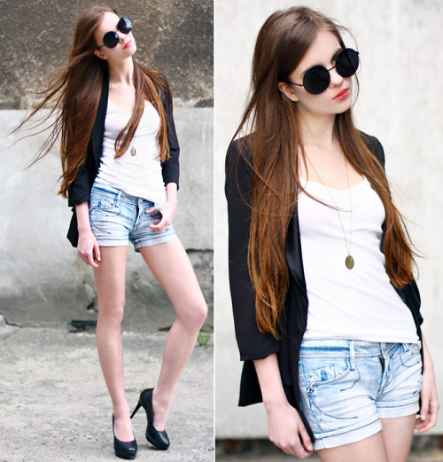 lookbookdotnu:  Chill out - life is fun! (by Ariadna Majewska)