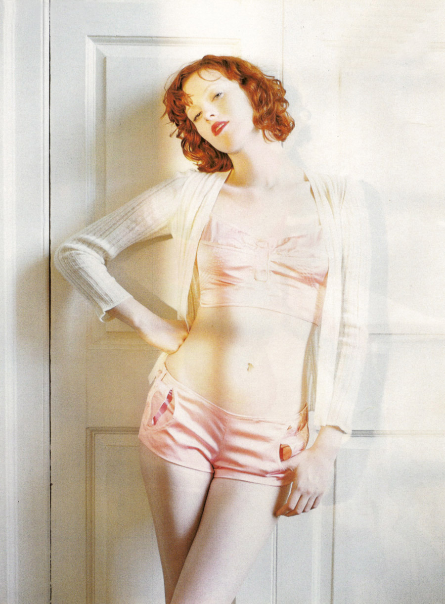 suicideblonde:  Karen Elson photographed by Tim Walker for Vogue Italia in 2003