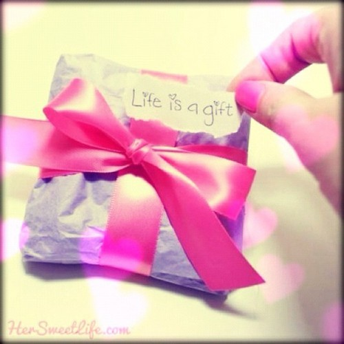 … So unwrap that shit! #present #gift #life #bow #ribbon #pink #purple  (Taken with instagram)