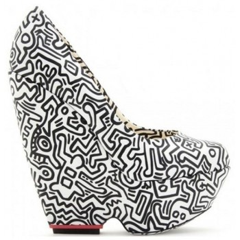If only marriage to a shoe were possible Nicholas Kirkwood x Keith Haring
