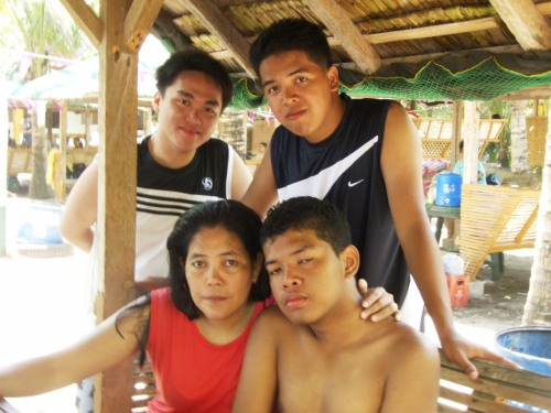 @Quezon with @erickjaydaiz , his family and their friends