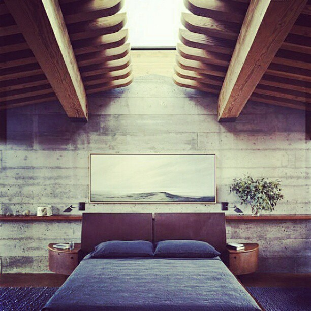 If my bedroom was like this .. I would sleep like a baby #Amazing #Bedroom #London #SundayMorning #Goodtimes #Sleep #Beautiful  (Taken with instagram)