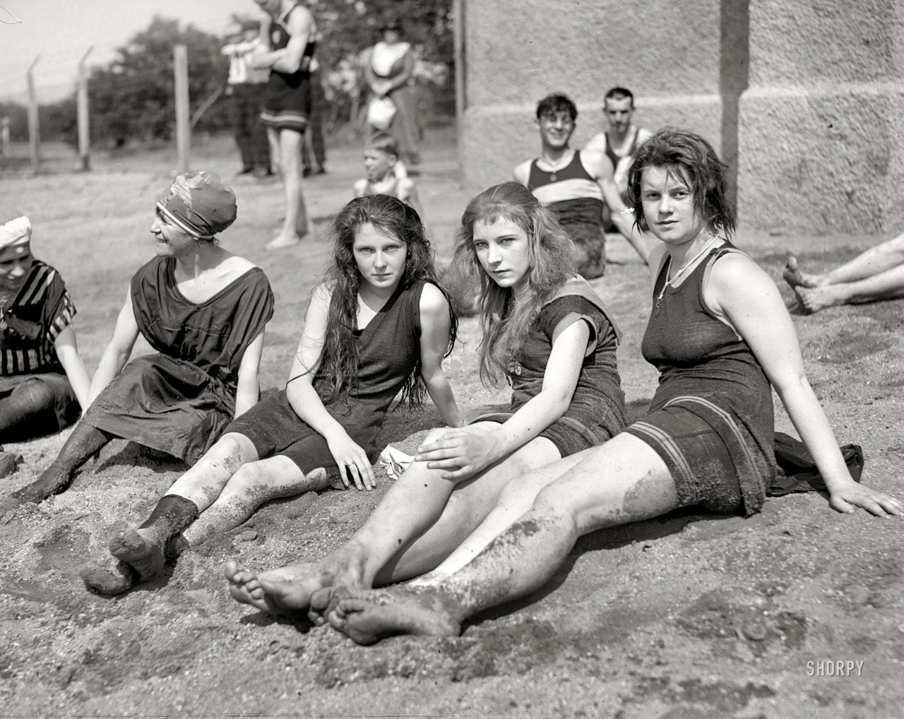 "marjoree:Dirty Girls Washington, D.C., circa 1922. ""Potomac bathing beach."" Fuck i miss photography"