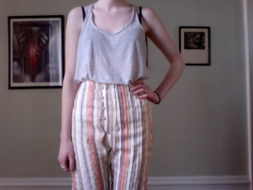 these ribbon pants were mostly made by a friend but she gave them to me and I finally got around to finishing them. New favourites.
