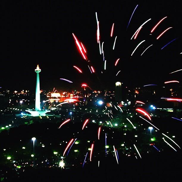 National Monument and Firework     #landmarked #photo #firework #jakarta #indonesia #night #iamdreamcatcher  (Taken with instagram)