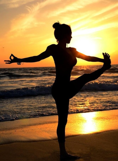beautiful! let's do yoga on the beach :) anyone?
