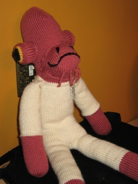 sogeekchic:  Get out those knitting needles: Admiral Ackbar sock monkey knitting pattern ($4) available from carbonscoring.  …I can't repel cuteness of that magnitude.