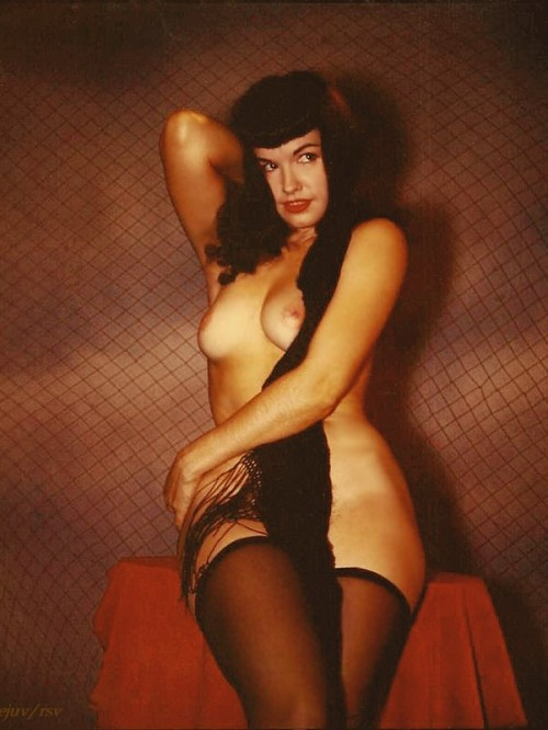 vigorton2:  Happy birthday Bettie Page!