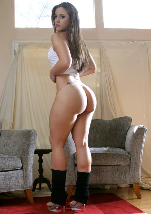 bigtitsbigasses:  Grade-A whooty right there.