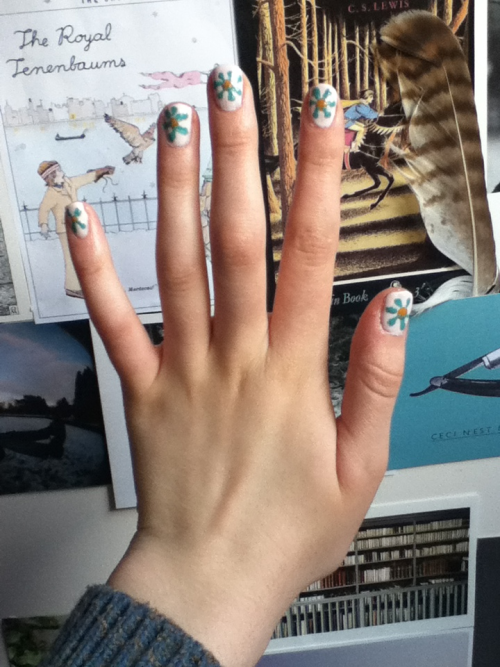 sixboroughs:  My weekend of revision turned into a weekend of Rookie DIY-ing http://rookiemag.com/2012/04/painted-flower/