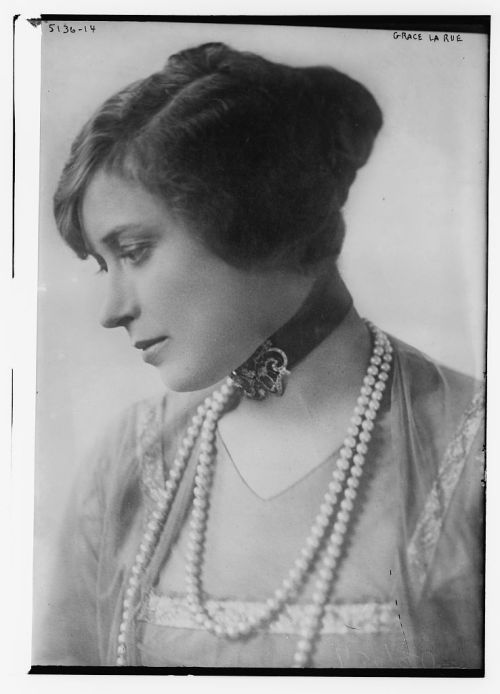 whataboutbobbed:  Grace La Rue (April 23, 1882 - March 13, 1956)
