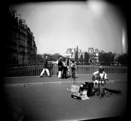 Street Musicians on Ile de la Cite, Paris, France | Shot with a Holga