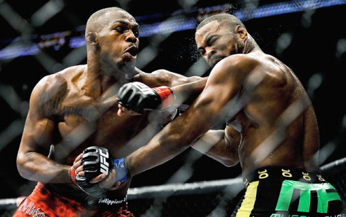Jon Jones kept landing those elbows on Rashad Evans like it was nothing.