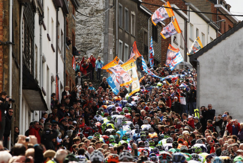 LIEGE, BELGIUM - APRIL 22: The peloton climbs the Cote de Saint-Roch during the 98th Liege-Bastogne-Liege cycle road race on April 22, 2012 in Liege, Belgium. (Photo by Bryn Lennon/Getty Images). (Photo by Bryn Lennon/Getty Images) (via The Peloton Climbs - Yahoo! Sports Photos)