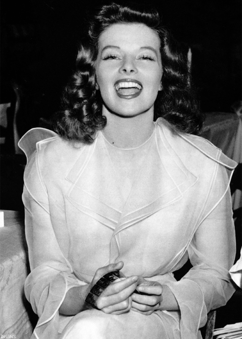 bellecs:  Katharine Hepburn behind the scenes of The Philadelphia Story, 1940