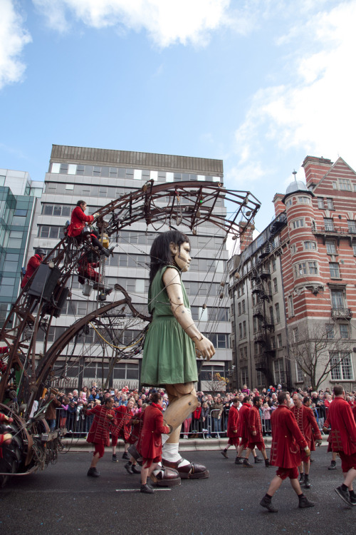 laughingsquid:  Royal de Luxe's Huge Marionettes Perform in Titanic Commemoration