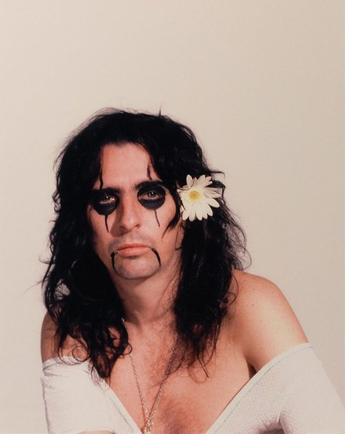 Alice Cooper Submitted by whenaxlrosewasyoungandhot