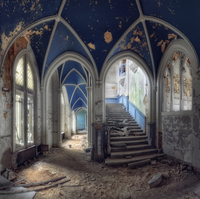 Abandoned Castle - Belgium by kleiner hobbit on Flickr.