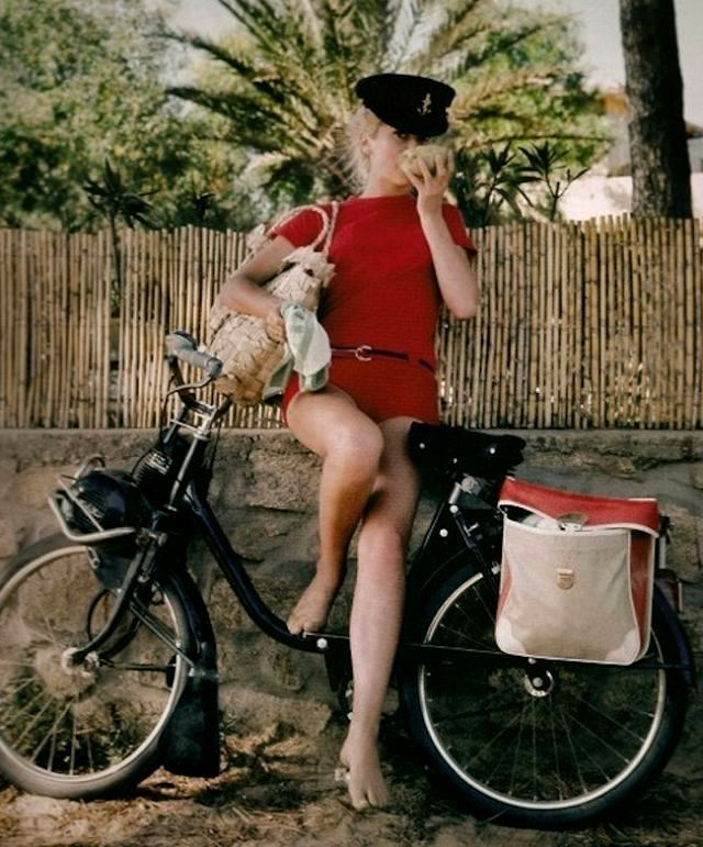 iloveretro:  Catherine Deneuve in St. Tropez, by Milton H. Greene (1965)