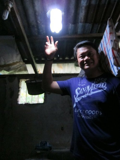 Used soda bottles = free light bulbs for Philippines slums (via Allianz Knowledge)