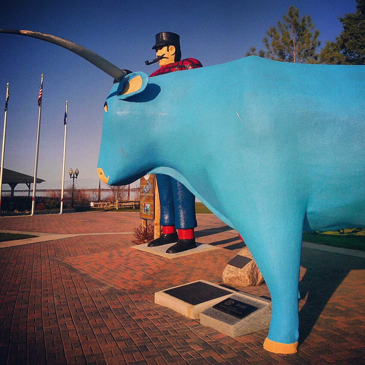 Paul Bunyan and Babe the Blue Ox.