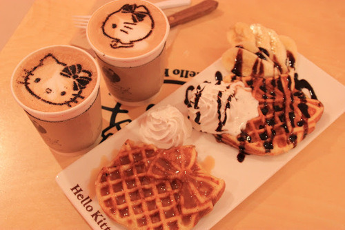 ohmyasian: 2611. Hello Kitty Coffee & Waffles.