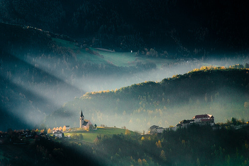 atomiclanterns:  Morning Light! (by niklens)