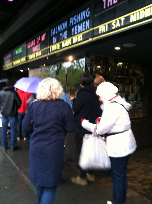 MARLEY fans brave the rainy New York City day to see the movie!   DEDICATION!