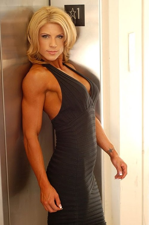 muscularbabes:  Monica Mark